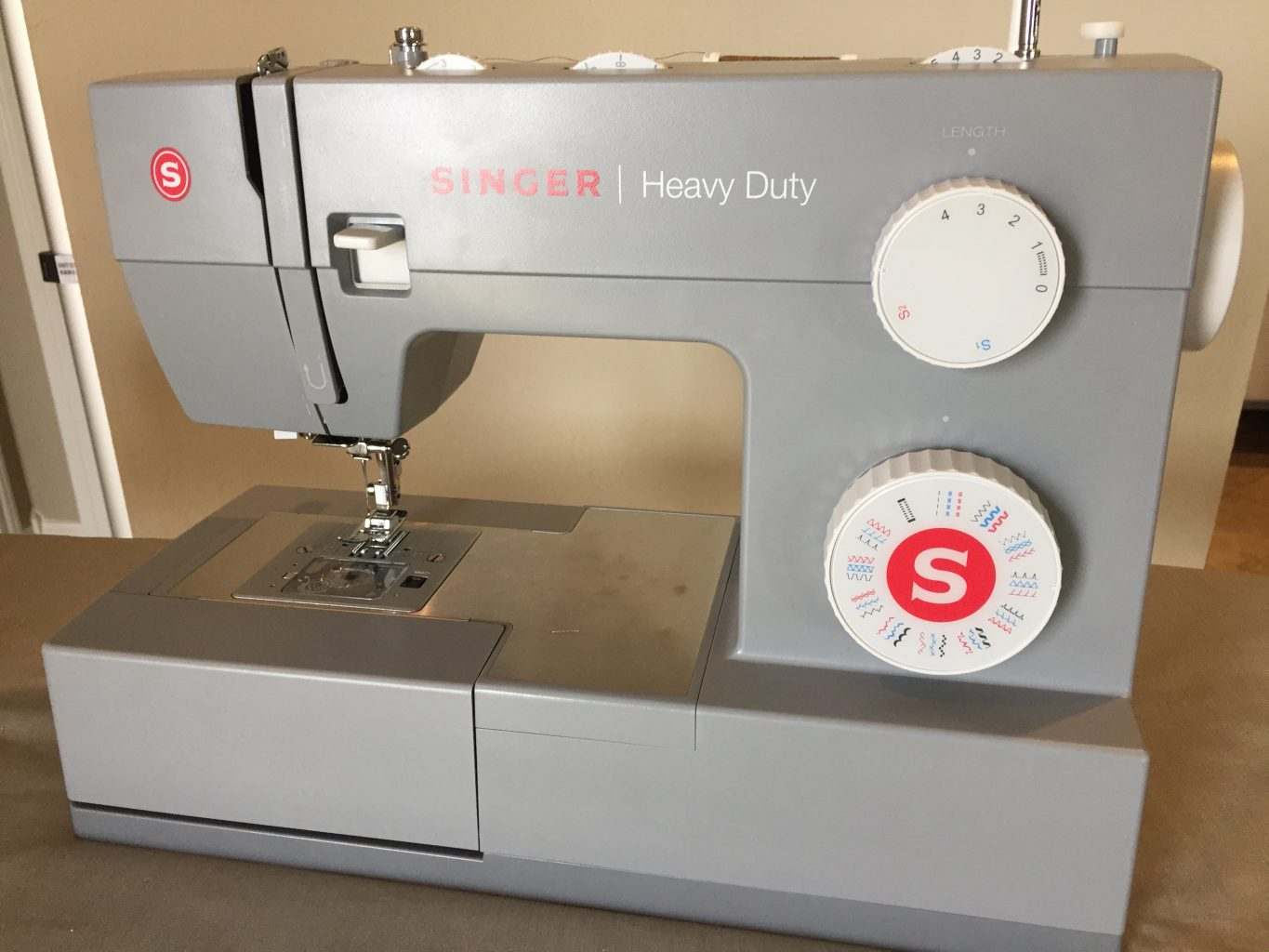 Singer 4432 Heavy Duty 32-stitch Sewing Machine